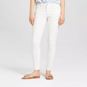 NWT Universal Thread White Skinny Jeans